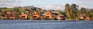 Lac Hotel vu de loin