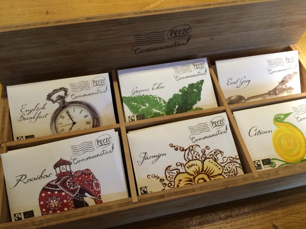 Sachets de thé dans une enveloppe