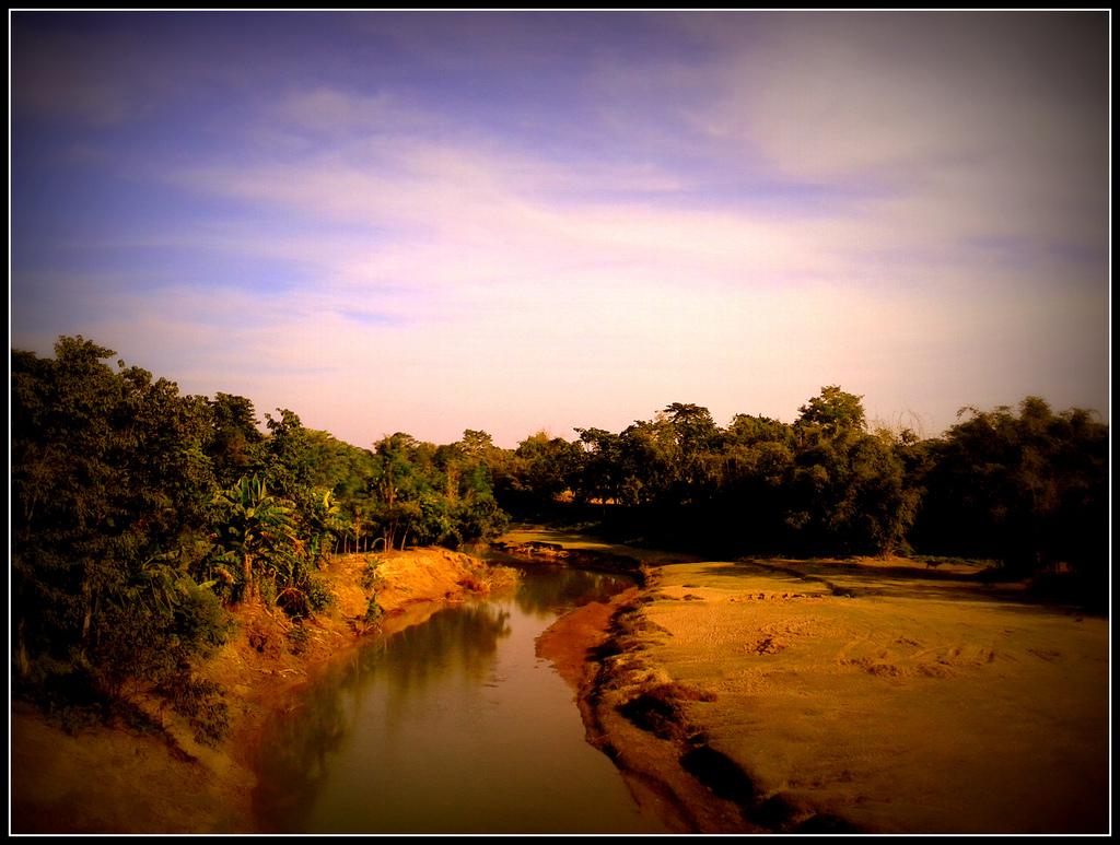 photo d'une rivière en Assam, Inde