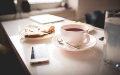 Boire du thé à jeun : est-ce bénéfique ?