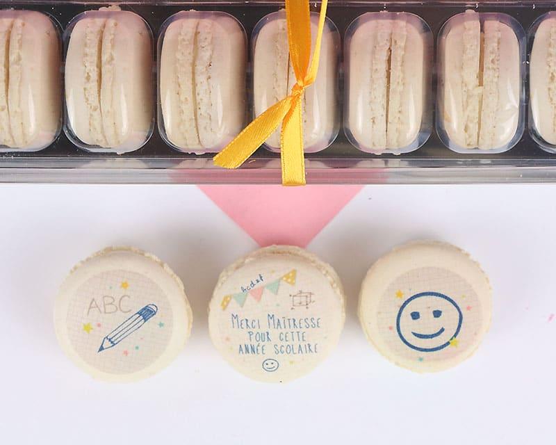 cadeau maîtresse macarons personnalises